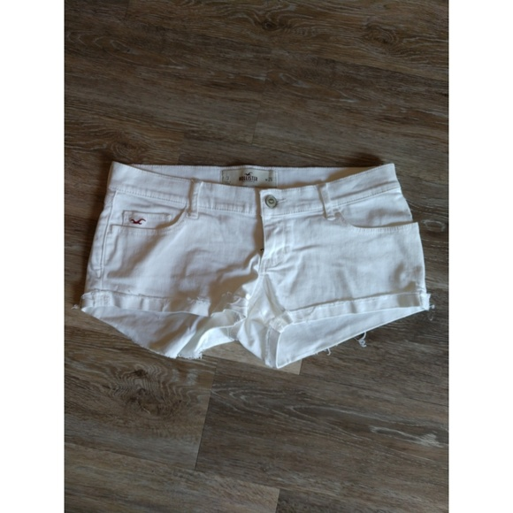 Hollister Pants - White denim shorts size 3